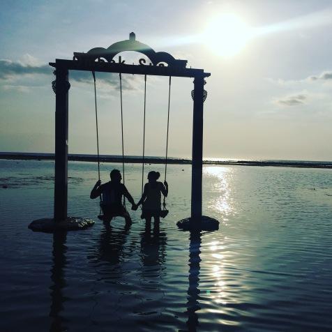 columpio-playa-islas-gili