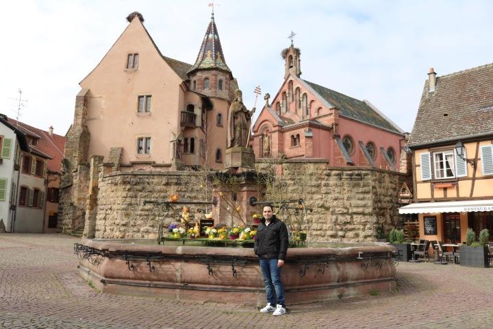 plaza-del-pueblo-eguisheim