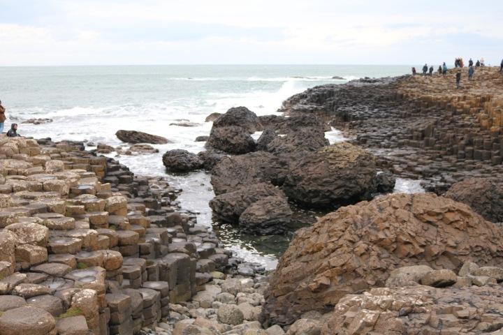 la-calzada-del-gigante-rocas-de-basalto