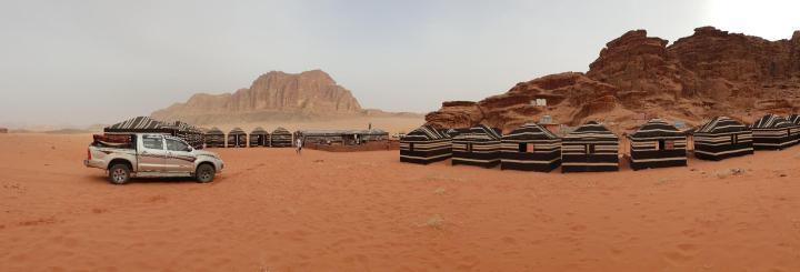 campamento-en-el.desierto-jordaniajpg